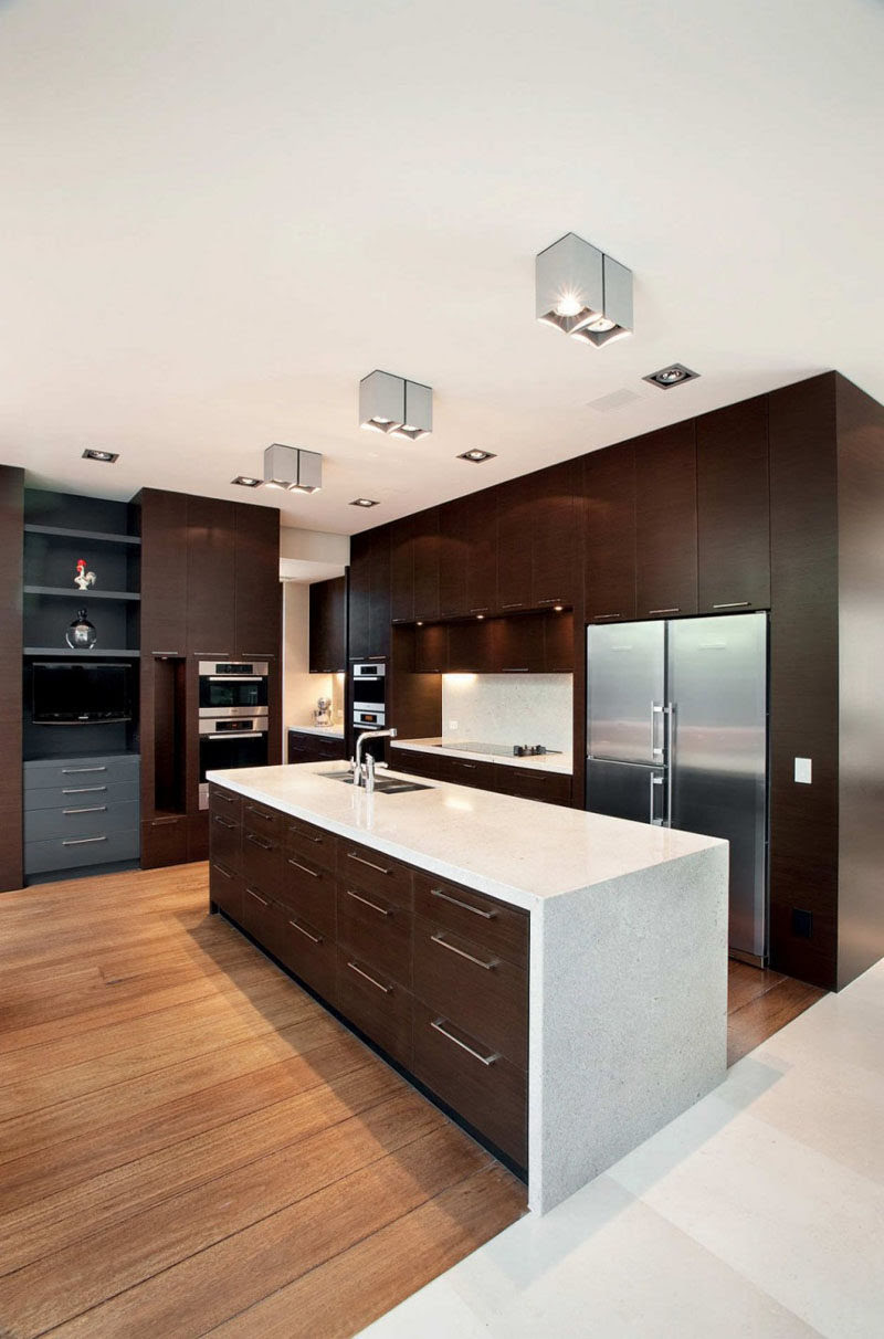 9 Inspirational Kitchens That Combine Dark Wood Cabinetry ...