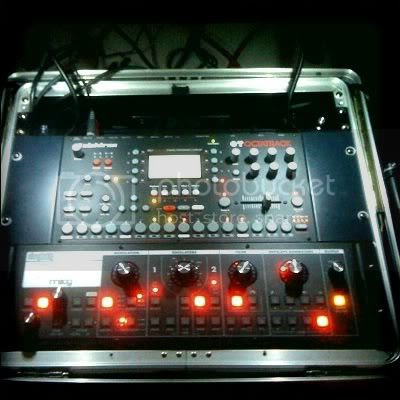 Zviij, Elektron, Moog, Oto Machines