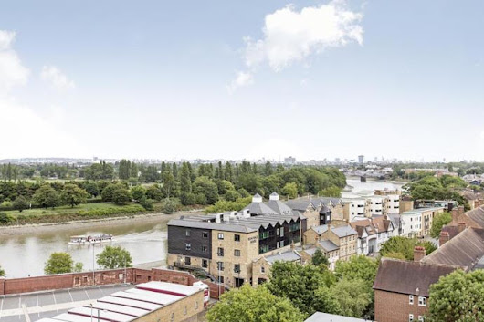 Thames-side stunners to make waves in your heart - Estate Agents in London and UK, Letting Agents, Flats & Properties to Rent - Winkworth
