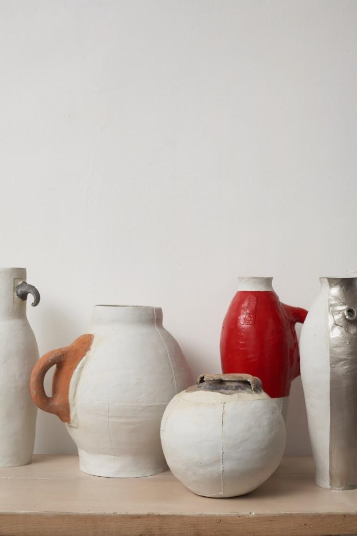 '7 Pots / 3 Centuries / 2 Materials' (1997) by Hella Jongerius - photo: Thomas Straub