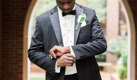 What?s the Difference Between a Tuxedo and a Suit