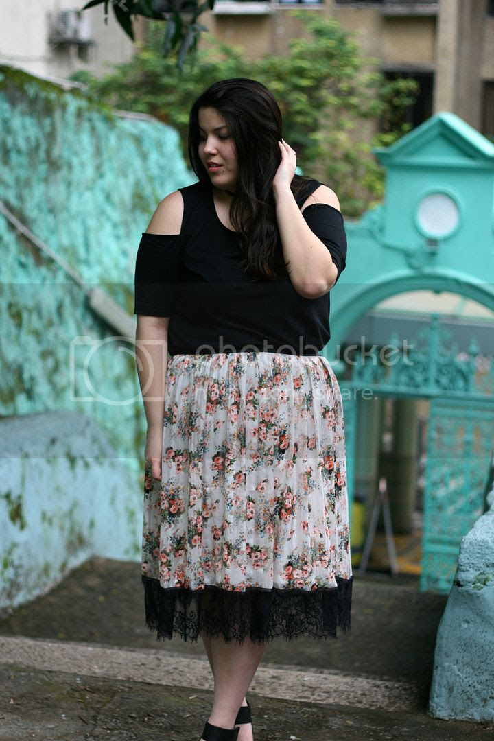 plus size fashion modamix lyla cold shoulder top hong kong jamia mosque