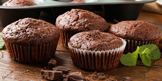 Chocolate Peppermint Muffins - Karma Nelson Fitness