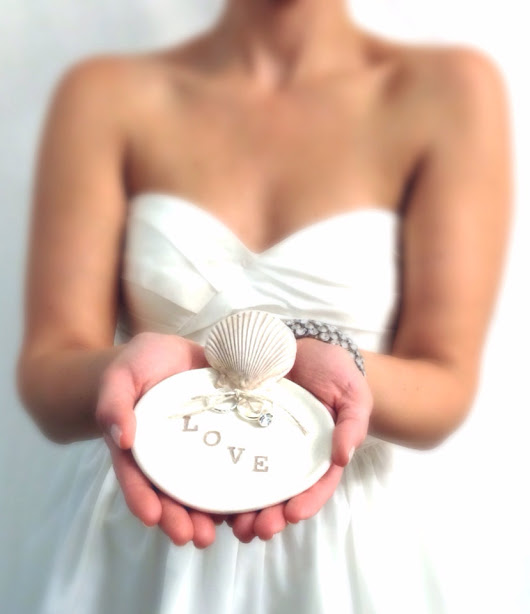 15 Beach Wedding Ring Holders