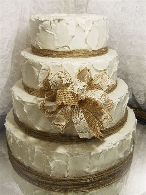 Southern Blue Celebrations: Burlap & Lace Cake Ideas and