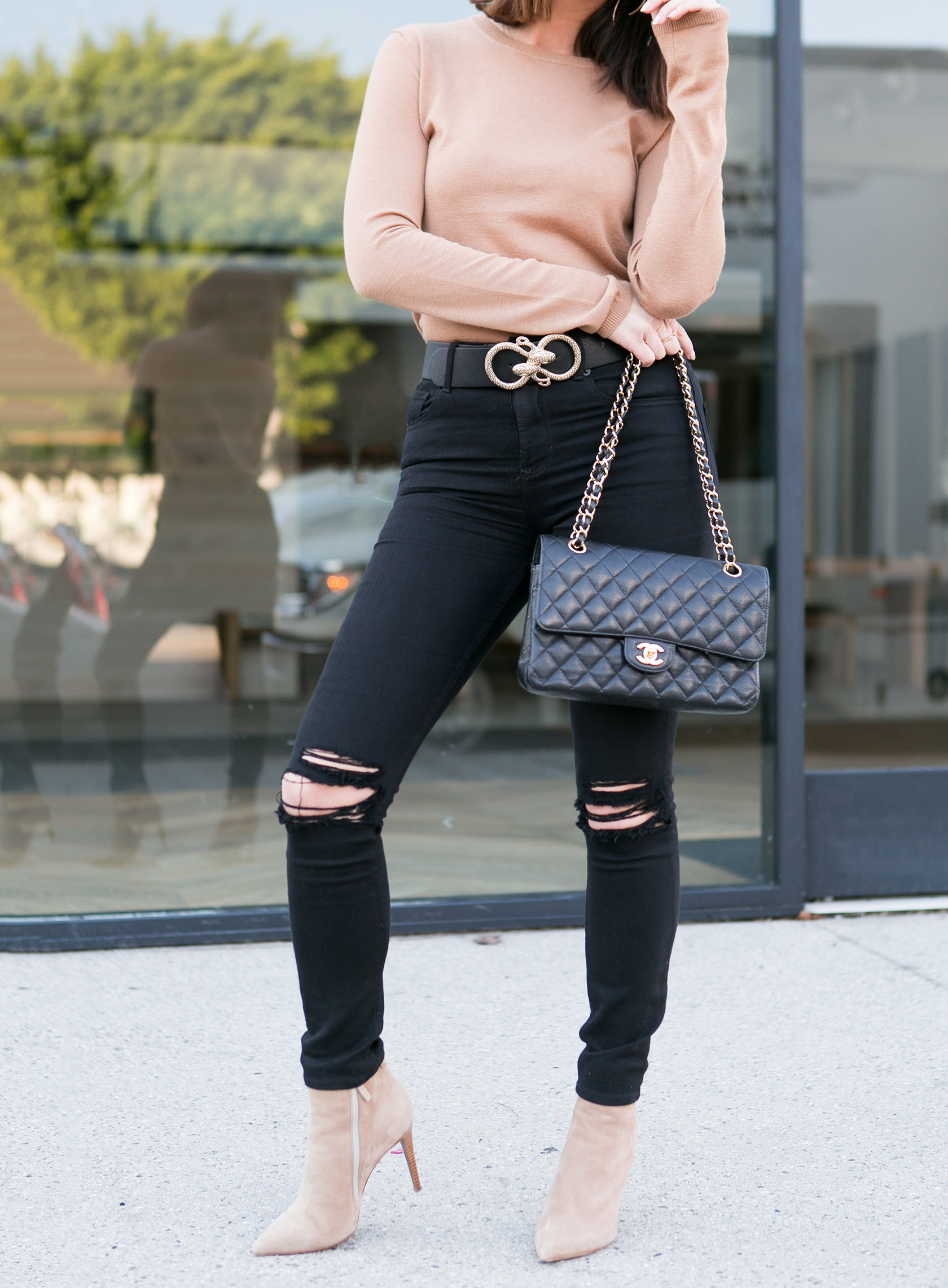 camel  black  crewneck  skinny jeans  2018 fashion trends