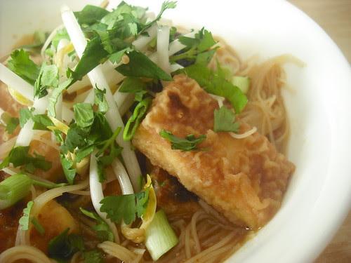 Vietnamese-Style Noodle Soup