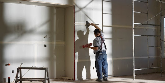 Why Drywall Projects Are For The Pros | RenovationFind