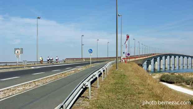 Bernezaccom Le Pont De Lîle De Ré Presentation Trafic