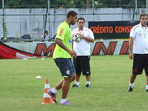 Abre o olho Adriano!