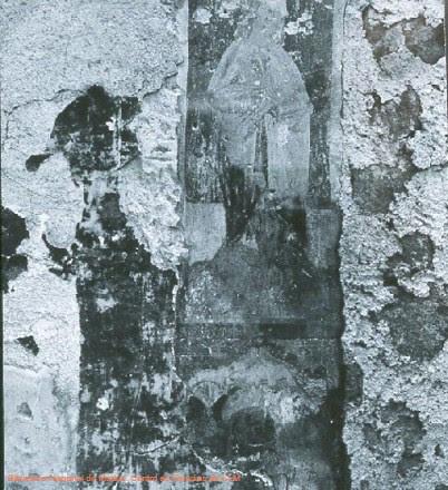 Restos de pinturas en la Iglesia de San Lorenzo de Toledo fotografiados tras ser incendiada en 1936