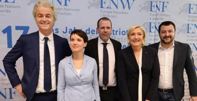 Geert Wilders, Frauke Petry, Harald Vilimsky, Marine Le Pen y Matteo Salvini, durante una rueda de prensa tras la reunión de Coblenza. - AFP