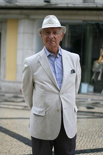 Sr./Mr. Alcídio de Carvalho