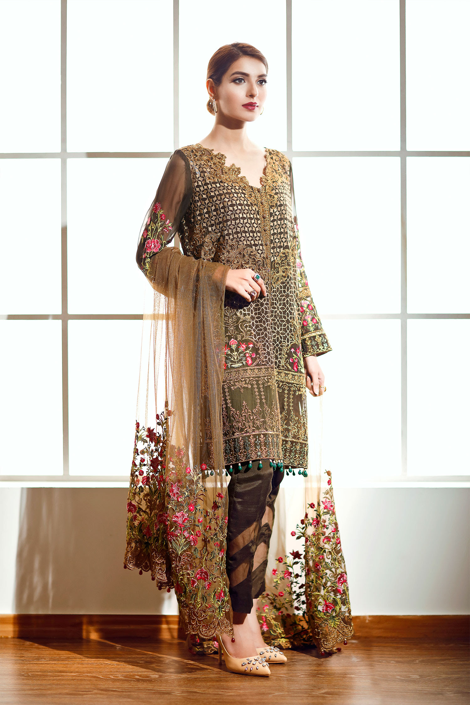 New party dress design 2019 in pakistan
