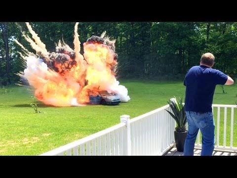 Car Bomb Prank!!