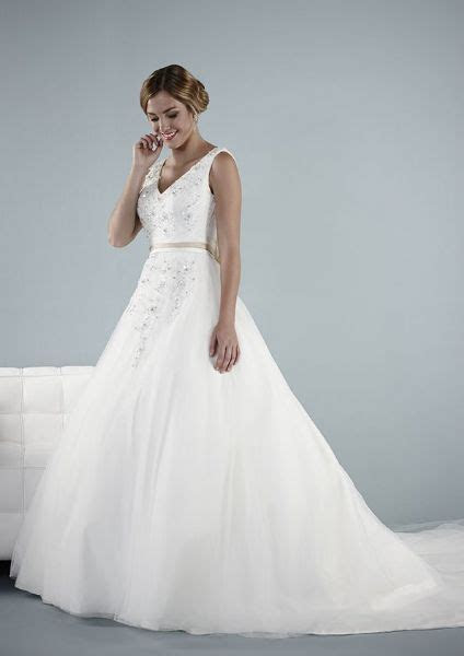 Nancy Jane Brides, Manchester   4 reviews   Wedding Dress
