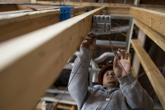 Labor Shortages Trip Up Big Home Builders