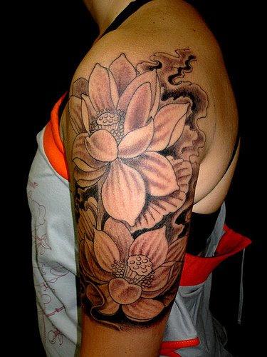 Black And White Flower Tattoos On Half Sleeve Tattoomagz