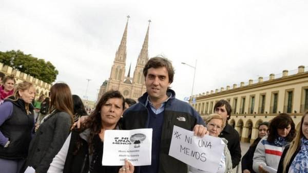 Leonardo Boto, durante la marcha del #NiUnaMenos