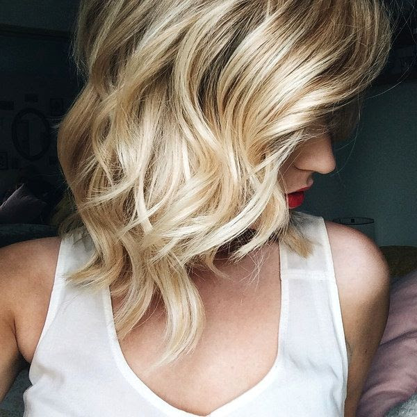 Le Fashion Blog How To Get The Perfect Loose Curls Hair Inspiration Bob Haircut  Via Feel Flourish Side photo Le-Fashion-Blog-How-To-Get-The-Perfect-Loose-Curls-Via-Feel-Flourish-Side.jpg
