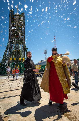 Expedition 36 Soyuz Blessing (201305270001HQ)