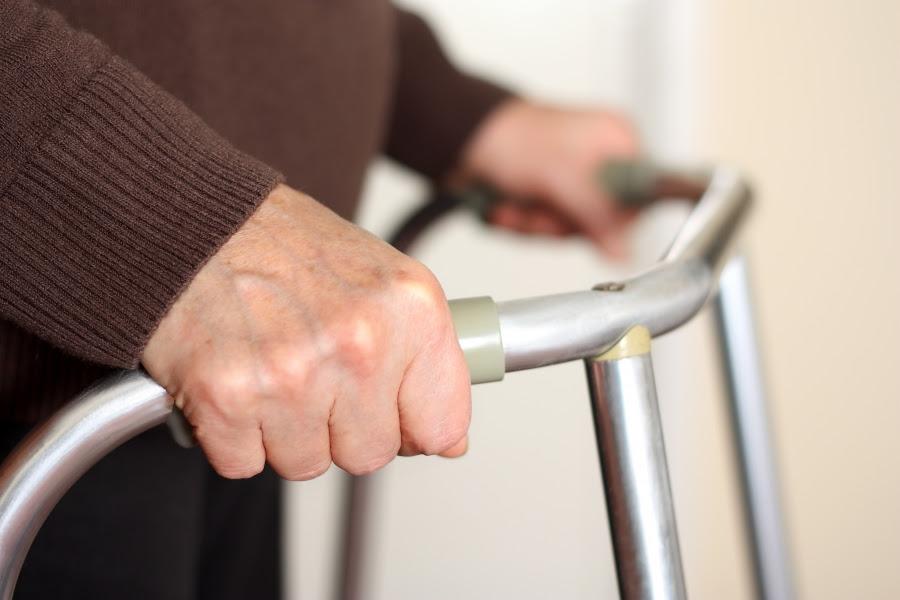 Temer quer elevar a idade para idoso pobre se aposentar