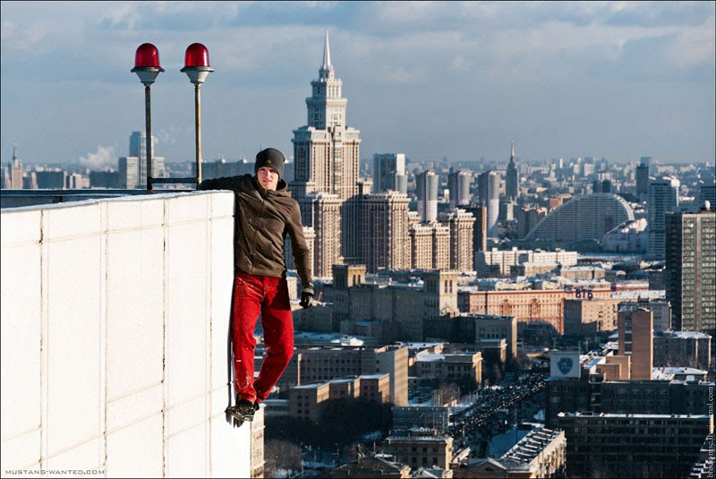 extreme rooftopping skywalking photos mustang-wanted russia (6)