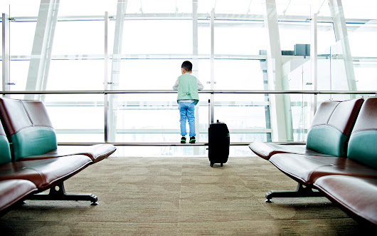 10 Essential Hacks for Traveling with Small Kids