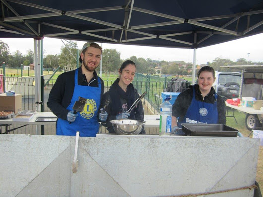 Leos and Lions support the Red Kite BBQ - Epping Eastwood Lions Club