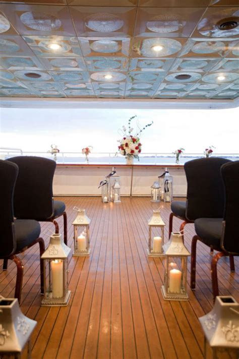 Boardwalk FantaSea Yacht Charters   Houston Wedding Venue