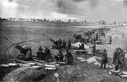 L'ultima difesa di Berlino: i soldati della Wehrmacht seppelliti con elemetti e stivali ancora indosso