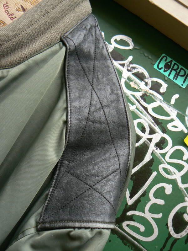 Zone7style Vintage Chevignon Word Traveler Leather Detail