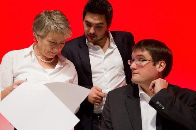 In Beratung: Nationalräting Jacqueline Fehr (links), Juso-Chef Cédric Wermuth (Mitte) und SP-Präsident Christian Levrat (rechts).