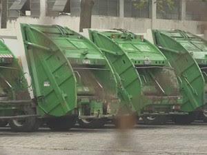 Coletores de lixo voltam ao trabalho após paralisação em São José, SP (Foto: Reprodução/ TV Vanguarda)