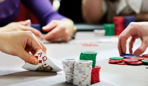 Luật & Quy Tắc  Poker