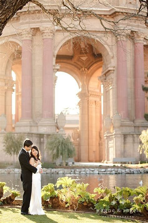 San Francisco wedding photo @ Palace of the Fine Arts http