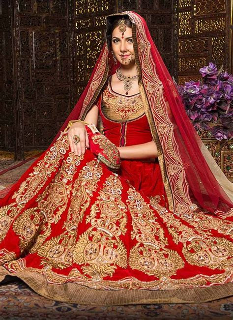 Top 10 Popular & Best Indian Bridal Dress Designers  Hit List
