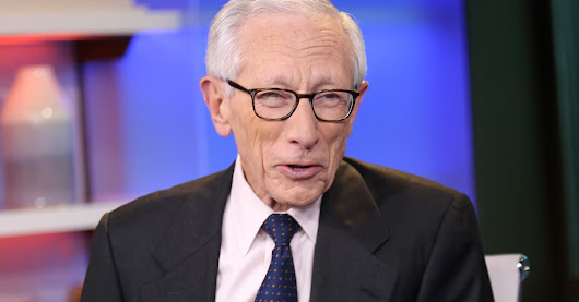 Fed's Fischer: Weak economy is keeping interest rates low
