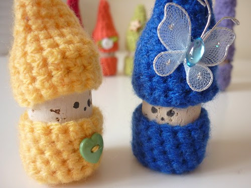 Crochet rainbow korknisse