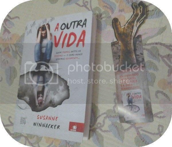 photo Livro-Aoutravida.jpg