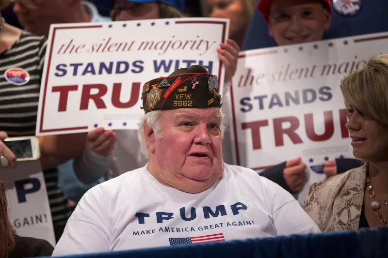 Bildergebnis für trump fanatics