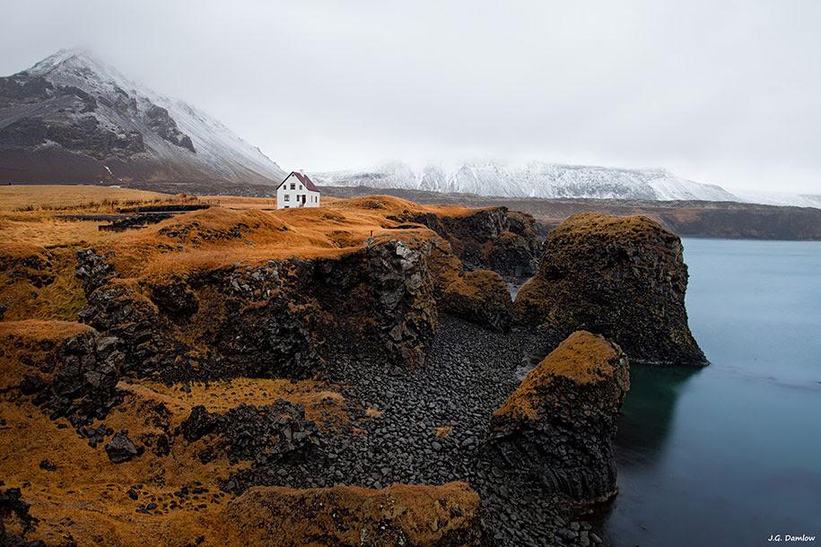 http://www.demilked.com/magazine/wp-content/uploads/2014/06/nordic-landscape-nature-photography-iceland-17.jpg