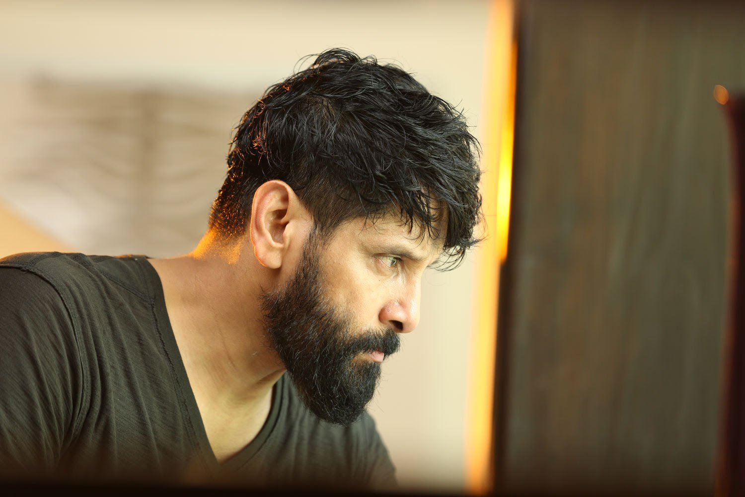 Chiyaan Vikram New Hairstyle Newhairstyle2019