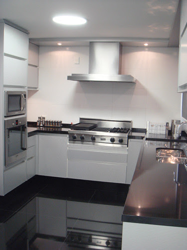 cozinha com piso de granito preto são gabriel