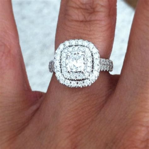 Perfect Neil lane engagement ring . 2 ct Cushion cut with