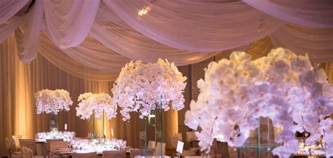 23 Chic and Beautiful Wedding Centerpiece Ideas   MODwedding