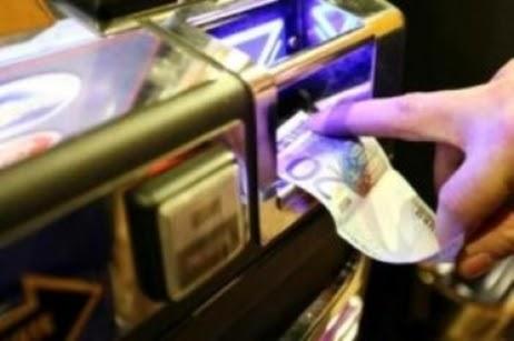 Le iene slot machine riciclaggio