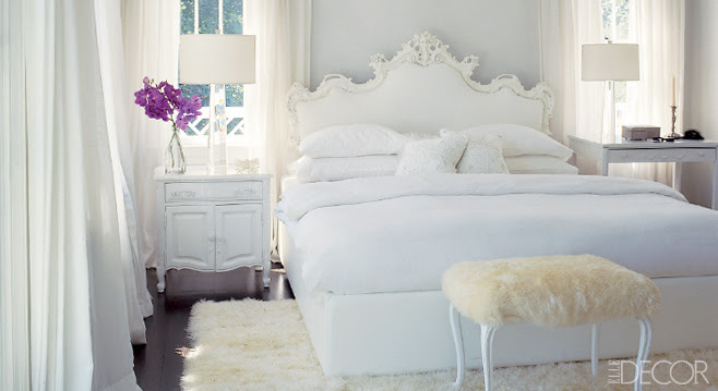 decorating-with-white-main