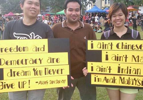 8835750164 7a03c50f7e o Gambar dan Video Perhimpunan Blackout 505 di Petaling Jaya 25 Mei 2013
