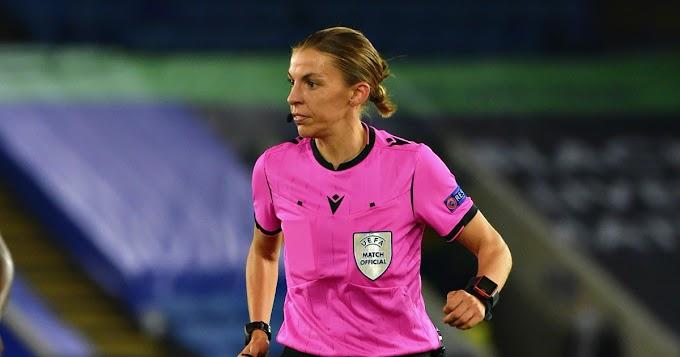 Stephanie Frappart arbitrerà Juventus-Dinamo Kiev: è la prima volta di una donna in Champions - Il Fatto Quotidiano